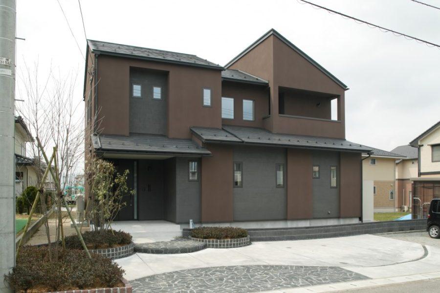 シンプルな和モダンの家