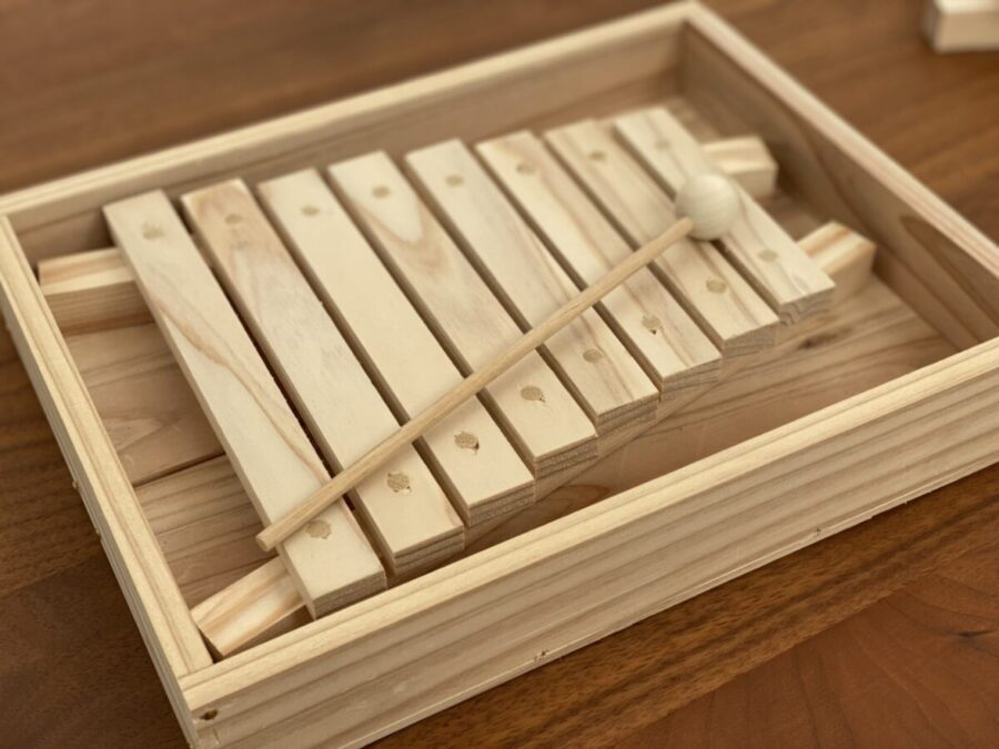スタッフブログ 間伐材で作った木琴